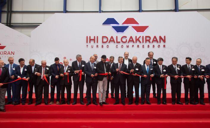 Açılışta yeni fabrika yatırımının müjdesini verdi