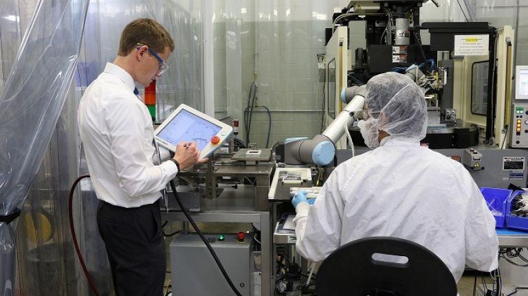 Universal Robots, Altın Cobot ile başarısını genişletiyor