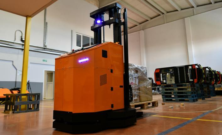 iROB, robotlar ve AGV'lerin birlikte çalıştığı projeler yapıyor