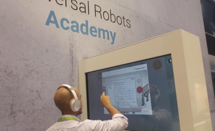 Universal Robots'tan robot eğitiminde Türkçe dil seçeneği