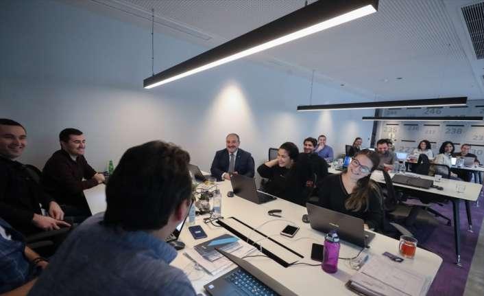 Bakan Varankdan Silikon Vadisi'nden yatırım alan Türk şirketine ziyaret