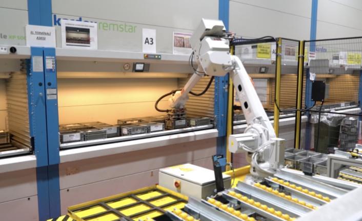 Robotlar sayesinde çalışanlarını verimli alanlarda değerlendiriyor