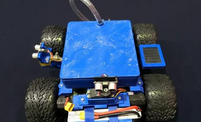 Tasarladığı Böceksavar Robotla Dünya Literatürüne Girdi