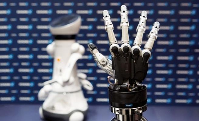 Robotlar ile iş birliği ve hareketler ile kontrolü nasıl olur