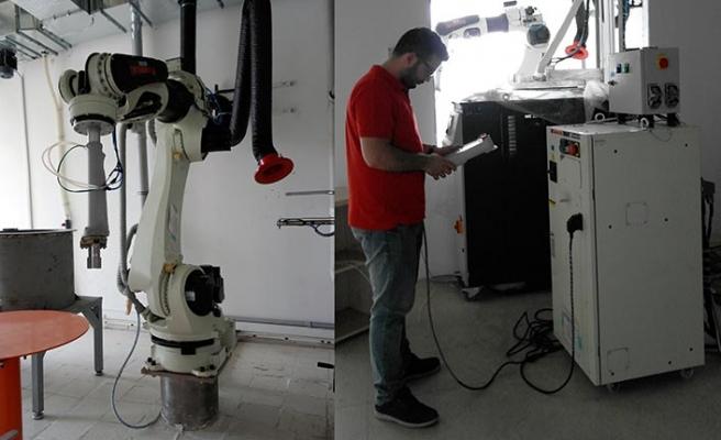 Yeni projesi için robot yatırımı yapıyor
