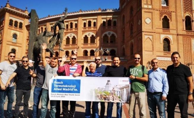 Madrid'de montajcı bayileri ile buluştu