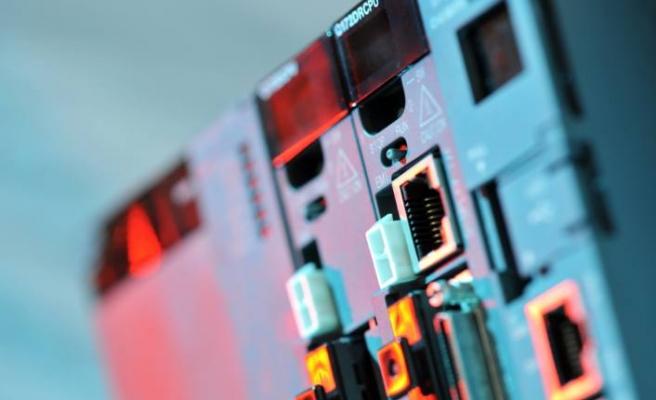 Mitsubishi Electric  kompakt PLC ile sınıf atlatıyor
