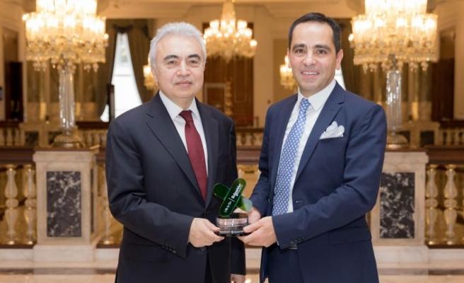 Schneider Electric'ten Fatih Birol'a ödül