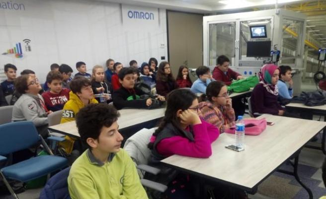 Öğrenciler, Omron ile robotları tanıma fırsatı buldu