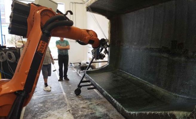 Robotmer önce yetiştiriyor, sonra sektöre kazandırıyor