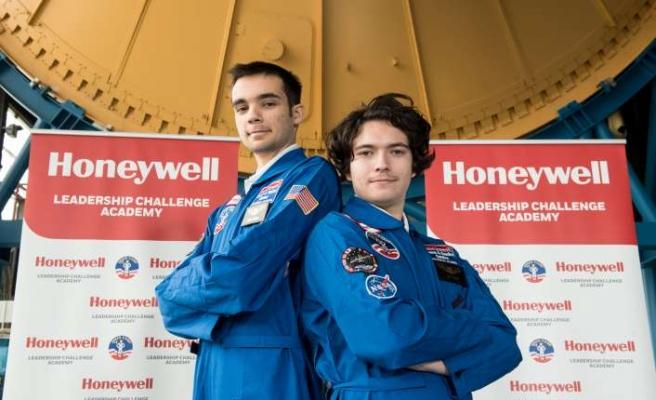 Türkiye dahil dünyadan 292 öğrenciyi Uzay Kampı'na gönderdi