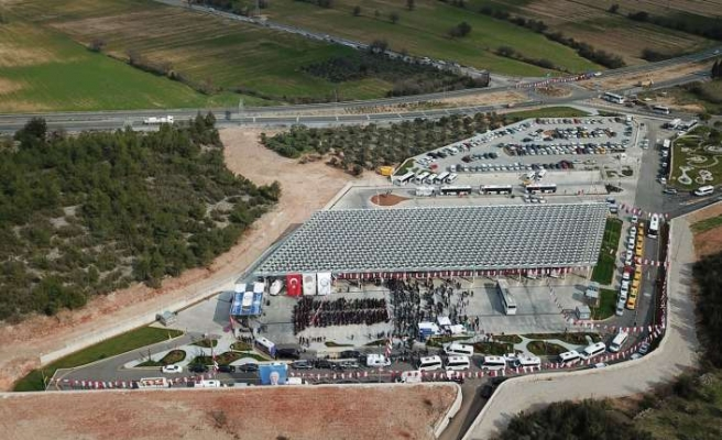Türkiye'nin ilk güneş enerjili otogarı açıldı