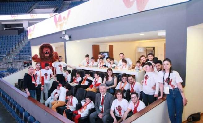 Otizm Spor Kulübü öğrencilerine moral ziyareti