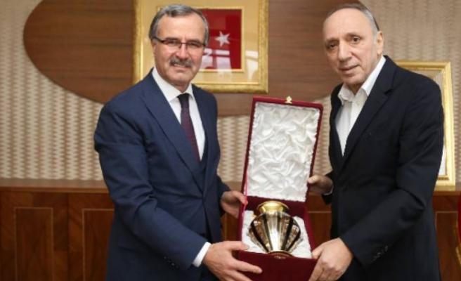 OSBÜK Başkanı, İkitelli OSB'yi ziyaret etti
