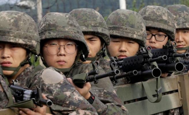 Güney Kore ordusuna robot askerler geliyor