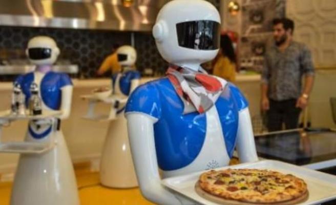 Garson robotlar Türkiye'de!