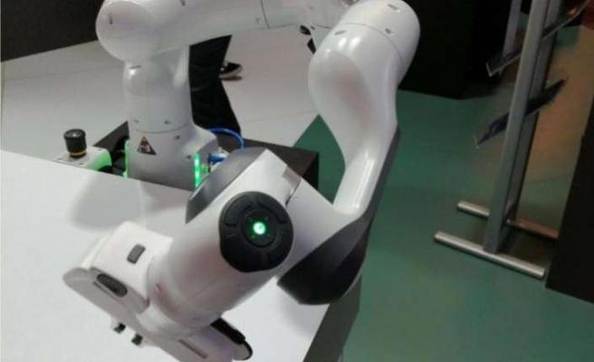 Kolaboratif robotu Panda'yı görücüye çıkardı