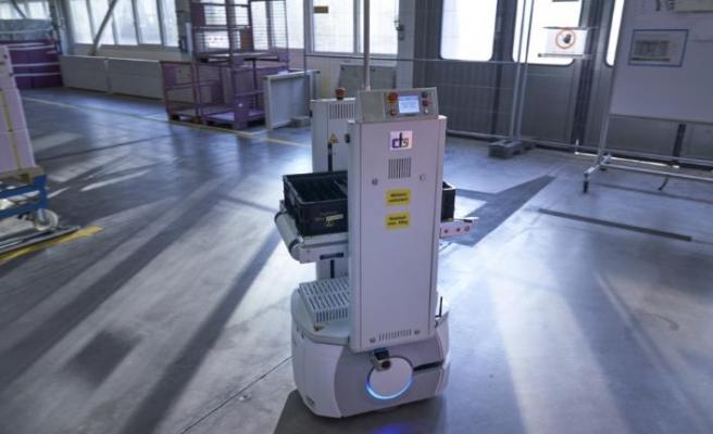 İnsan-makina iş birliği konusunda mobil robotların önemi