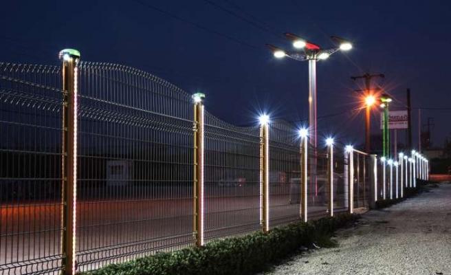Dünyanın ilk ve tek  güneş enerjili çit sistemine Türk imzası