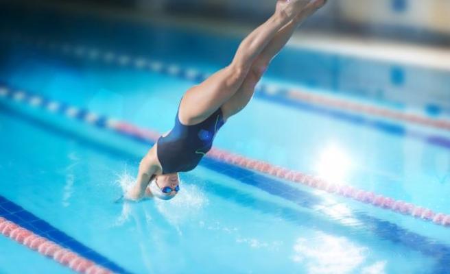Olimpik havuzlara geniş ekipmanları ile çözüm sunuyor