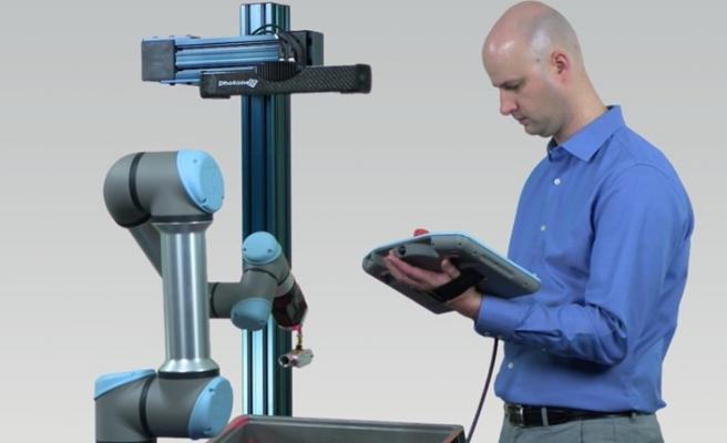 Robot satış uzmanlarıyla çevrimiçi toplantılara başlıyor