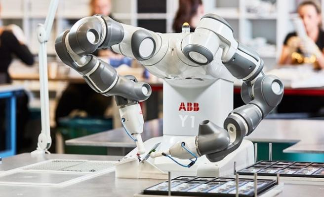 Kolaboratif robotu YuMi 5. yaşını kutluyor