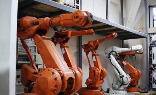 Yeni robotlarla ve kampanyalarla üretime destek oluyor