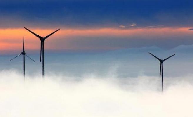 """Rüzgar ve güneş enerjisi Türkiye açısından """"en ucuz"""" kaynak"""