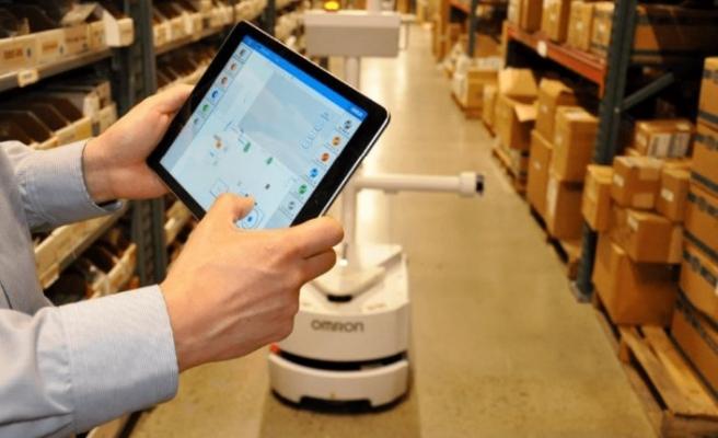 Sektörün ilk mobil robot simülatörünü sunuyor