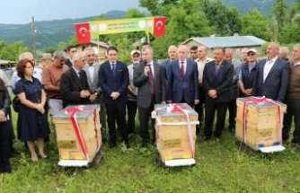 Bal üreticileri Kafkas ırkı arılarını sergiledi