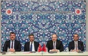 Bakan Varank, Ar-Ge konusunda Türk araştırmacılarla buluştu