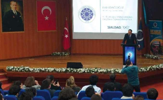 Rebii Dağoğlu öğrencilere ders verdi