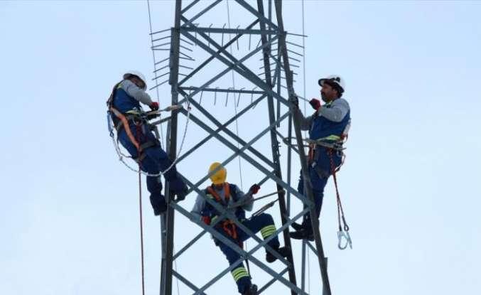 """ÇEDAŞ'ın """"enerji timleri"""" kesintisiz enerji için sahaya çıktı"""