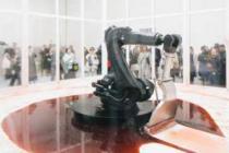 Endüstriyel robotla yapılan sanat sergileniyor