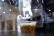 Bir saatte 90 fincan kahve!