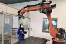 MERCEDES ROBOT OPERATÖRLERİNİ BÜNYESİNDE YETİŞTİRİYOR