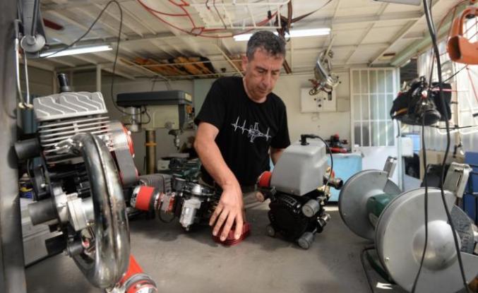 Hafif hava araçlarına özel ürettiği ay yıldızlı motorları ihraç ediyor