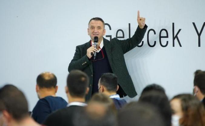 """""""DİJİTAL TEKNOLOJİLER ENDÜSTRİYE ÖNCÜLÜK EDİYOR"""""""