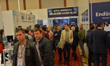 Endüstri 4.0 Zirvesi ve Sergisi'nde yoğun katılım sürüyor