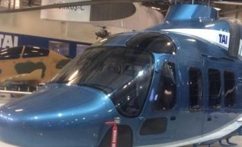 Gözler, T625 helikopterinde Bahreyn'de