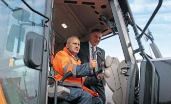 Karayolları Genel Müdürlüğü'nün makina parkı Hidromek ile güçleniyor