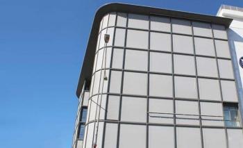 Serge Ferrari, Soltis Horizon 86 ile İzmir Ticaret Odası binasına çözüm sundu
