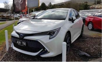 Yeni Toyota Corolla, banttan indi