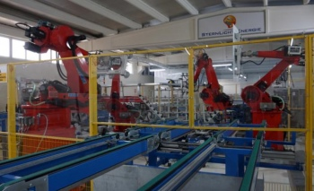 G. Doğu'da robotlu üretim! Güneş panelini robotlarla üretiyor