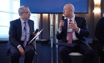 Koç Holding Üst Yöneticisi Çakıroğlu, Davos'ta dijital dönüşümü konuştu
