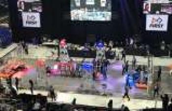 First Robotics Competition son sürat devam ediyor