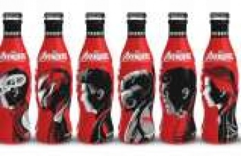 Marvel'in Avengers karakterleri Coca Cola şişelerinde
