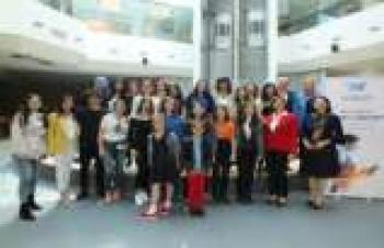 Kız öğrencilerle teknoloji CEO'ları bir araya geldi