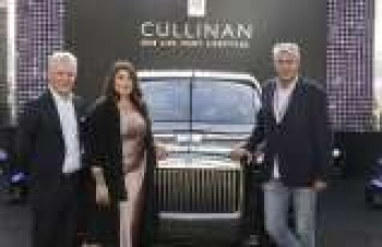 Rolls-Royce'un ilk SUV modeli Türkiye yollarında