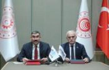 KOSGEB ile DEİK arasında iş birliği protokolü gerçekleştirildi